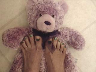 Visit This Female Feet 4 ALL Foot Fetish Website